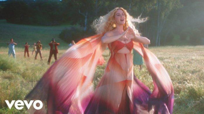 Lirik Lagu Hits Never Really Over Katy Perry Lengkap Dengan Terjemahan Link Download Video Klip Halaman 1 Tribun Wow