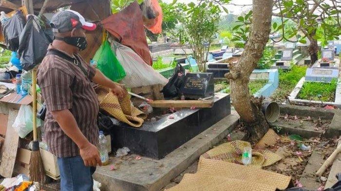 Lokasi penemuan mayat Nuraini di Tempat Pemakaman Umum (TPU) Soak Simpur Palembang, Minggu (30/5/2021).