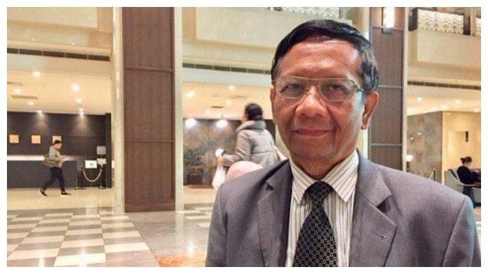 Komentari Polemik Puisi Neno Warisman, Mahfud MD: Kita Tak Bisa Melarang Orang Berdoa