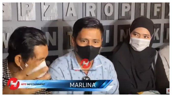 Marlina (jilbab hitam), istri siri ayah Taqy Malik, Mansyardin Malik, dalam kanal YouTube HITZ INFOTAIMENT, Minggu (12/9/2021).