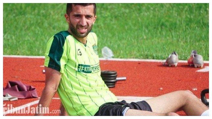 Manuchekhr Dzhalilov pemain Persebaya Surabaya yang menjadi top skorer sementara Piala Presiden