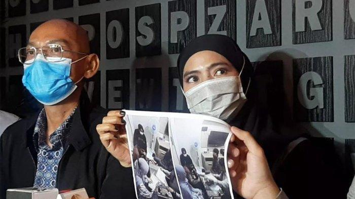 Marlina Octoria yang menunjukkan foto dirinya jalani visum karena diduga alami penyimpangan seksual dari Mansyardin Malik, Minggu (12/9/2021).