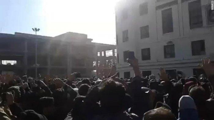 Mengapa Demonstrasi di Iran Pecah? Simak Jawaban Analis!