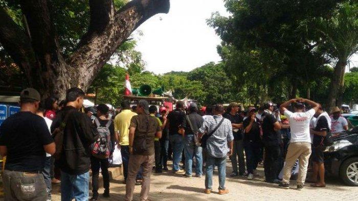 Sopir Taksi Online Diintimidasi karena Tidak Bergabung Saat Demonstrasi