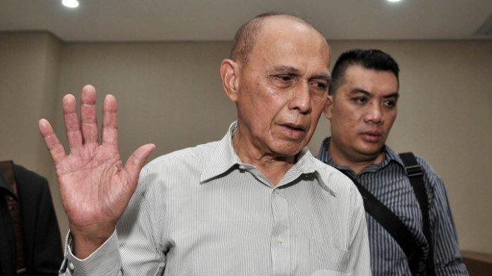 Mayor Jenderal TNI Purn Kivlan Zen tiba di gedung Bareskrim Polri untuk menjalani pemeriksaan di Jakarta, Rabu (29/5/2019). Kivlan Zein diperiksa sebagai tersangka dalam kasus dugaan makar.