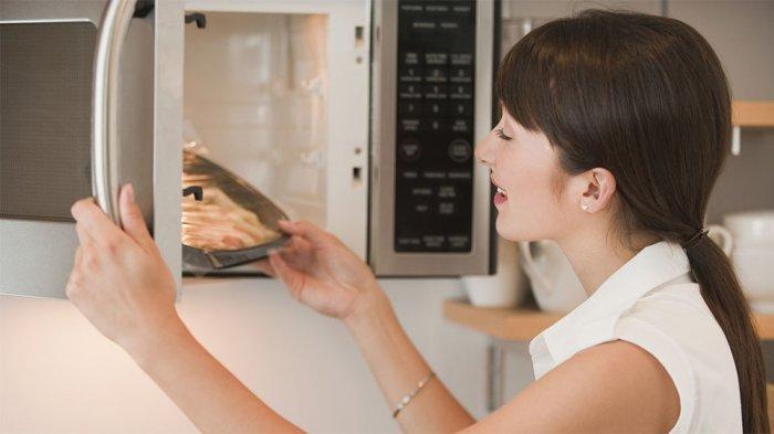 5 Benda yang Tidak Boleh Dipanaskan di Microwave