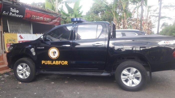 Anggota Puslabfor Polri datangi lokasi kejadian perampasan nyawa di Kampung Ciseuti, Desa/Kecamatan Jalancagak, Kabupaten Subang, Jawa Barat, Kamis (16/9/2021).
