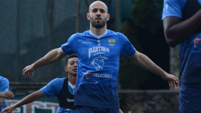 Mohammad Rashid jalani latihan perdananya bersama Persib Bandung pada postingan Website Persib Kamis (1/7/2021).