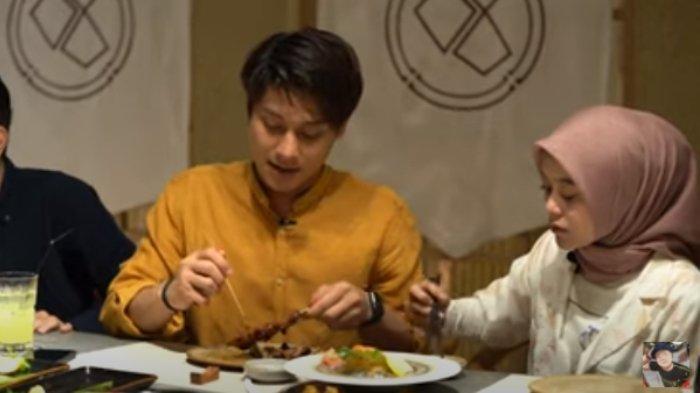 Momen makan bersama dengan Basuki Prasodjo, rekan Rizky Billar bernama Husein dan Ryan D'Masiv itu diunggah dalam channel YouTube Basuki Prasodjo pada Sabtu (5/9/2020).