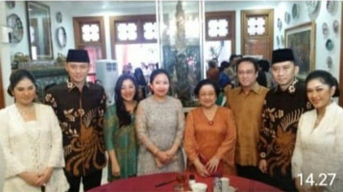 Momen Megawati Soekarnoputri Berfoto dengan Keluarga SBY, Rabu (5/6/2019).