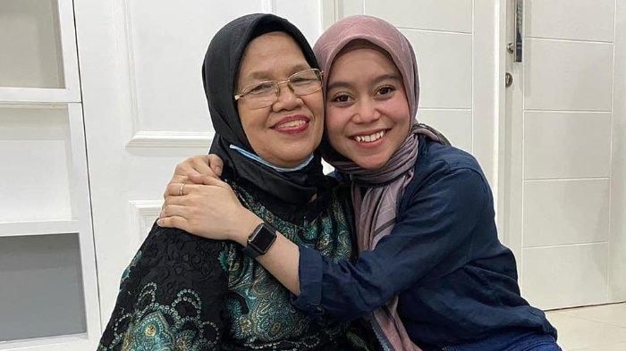 Momen pertemuan Lesti Kejora dan ibunda Rizky Billar, Rosmala Dewi, diunggah 4 Agustus 2020.