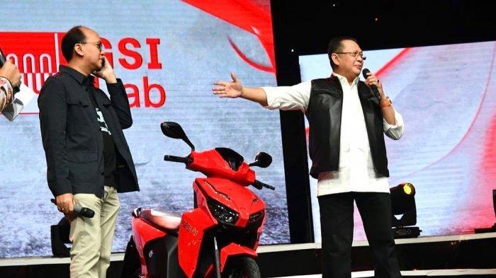 Berusia 19 Tahun, Putra Hary Tanoesoedibjo Menang Lelang Motor Listrik Jokowi, Pakai Uang Tabungan