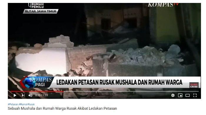 Kondisi mushola setelah ledakan petasan gas di Blitar Jawa Timur, Selasa (4/6/2019)