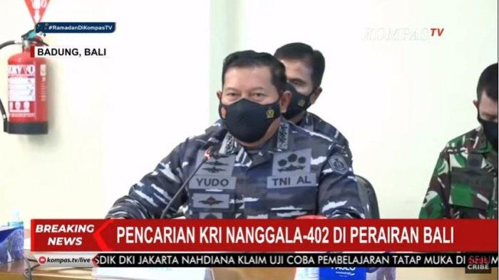 Kepala Staf Angkatan Laut (Kasal) Laksamana TNI Yudo Margono, Panglima TNI Marsekal Hadi Tjahjanto, dan Menteri Pertahanan Prabowo Subianto saat menjelaskan perkembangan pencarian kapal selam KRI Nanggala-402 yang hilang kontak pada Rabu (21/4/2021) pagi.