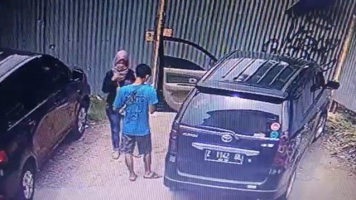 Tangkapan layar kamera CCTV di lokasi penemuan jenazah bayi, SMK Bhati Mandiri, Jalan Bintara IX, Bintara, Bekasi Barat pada Selasa (13/7/2021).