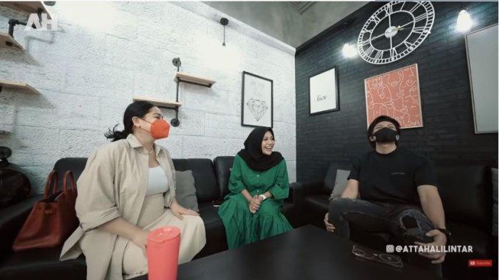 Nagita Slavina (kiri), Aurel Hermansyah (tengah) dan Atta Halilintar, Kamis (16/9/2021).