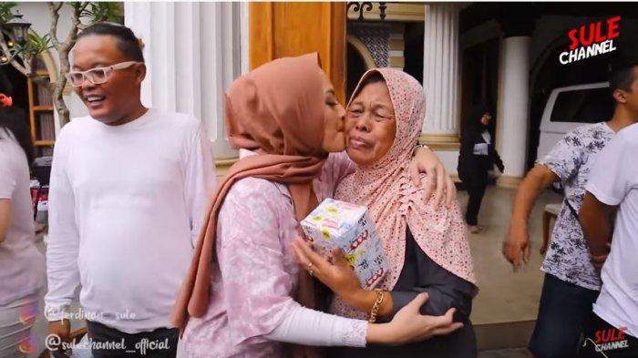 Sule Pamer akan Punya Anak Kelima pada Ibunya, Towel-towel Perut Nathalie: Mau Ada Teman si Teteh