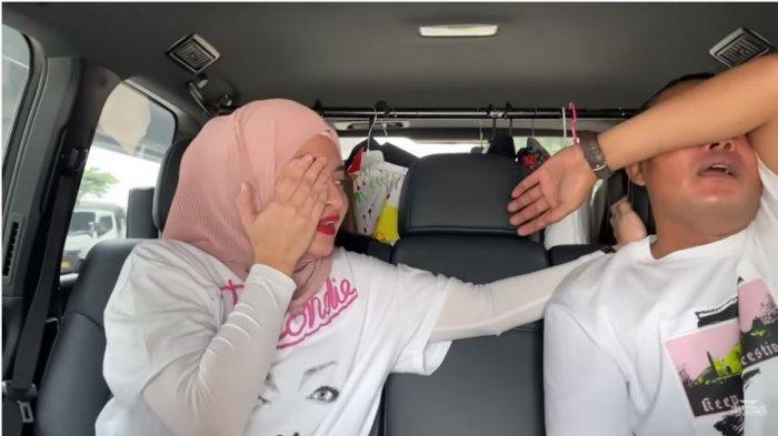 Nathalie Holscher dan Sule dalam tayangan di kanal YouTube SUNAH OFFICIAL Kamis (22/10/2020). Sule dan Nathalie menangis bebarengan.