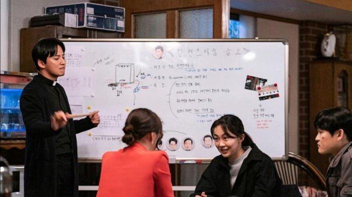 Sinopsis Drama Korea The Fiery Priest di Netflix, Kisah Komedi Pendeta Tempramental
