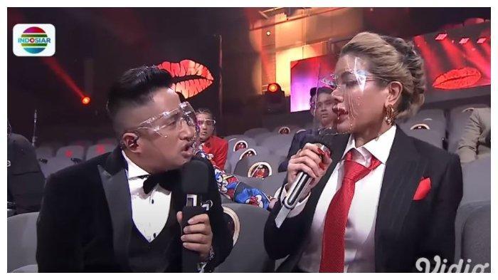 Nikita Mirzani dan Irfan Hakim di Kiss Award 2020. Nikita Mirzani tanggapi komentar pedas netizen yang menyebut mukanya tidak presisi, Senin (21/12/2020).