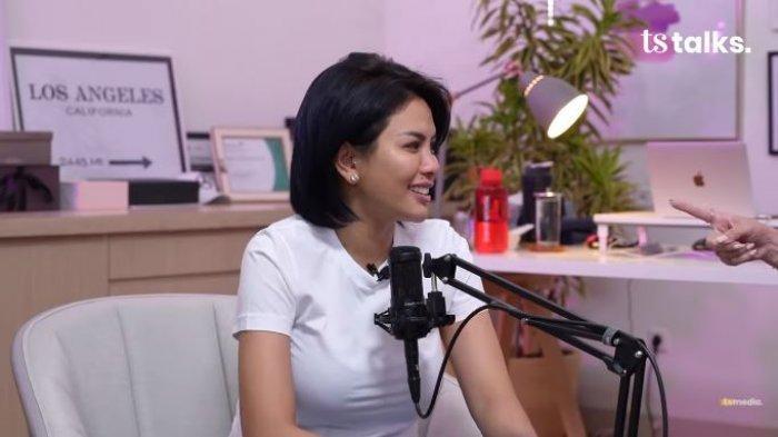Nikita Mirzani Keceplosan Bongkar Identitas Pacar Barunya, Luna Maya: Kalau Gak Anggota DPR, Menteri