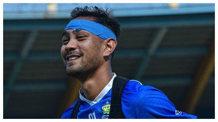 Omid Nazari Mundur dari Skuad Persib Bandung 2021, Teddy Tjahjono Menduga karena Hal Ini