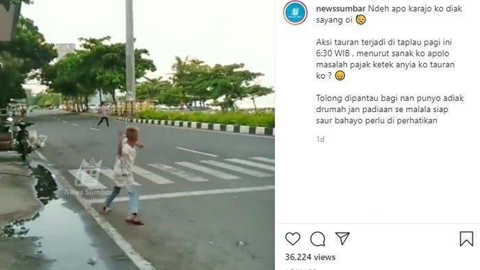 Viral video aksi tawuran bocah-bocah di Jalan Samudera, Purus, Kecamatan Padang Barat, Kota Padang, Sumatera Barat (Sumbar), Selasa (13/4/2021).