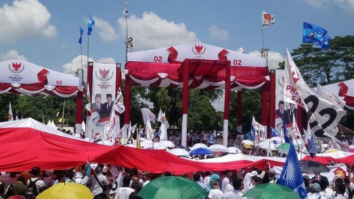 Nyanyikan Lagu 'Rahasia Hati' di Kampanye Capres 02, Titiek Soeharto Diminta Rujuk dengan Prabowo