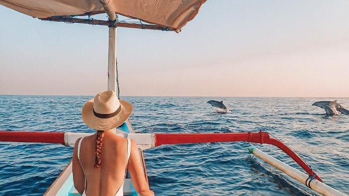 Menikmati Keindahan Pantai Lovina, Naik Kapal dan Mengejar Lumba-lumba di Pagi Hari