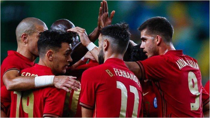 Para pemain Timnas Portugal merayakan gol ke gawang Israel jelang EURO 2020, Kamis (10/6/2021).