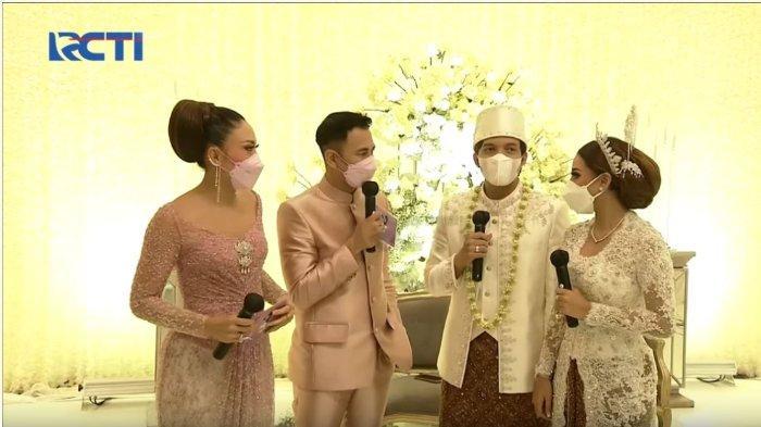 Pasangan suami istri baru, Atta Halilintar dan Aurel Hermansyah berbincang dengan Raffi Ahmad dan Ayu Dewi, Sabtu (3/4/2021).