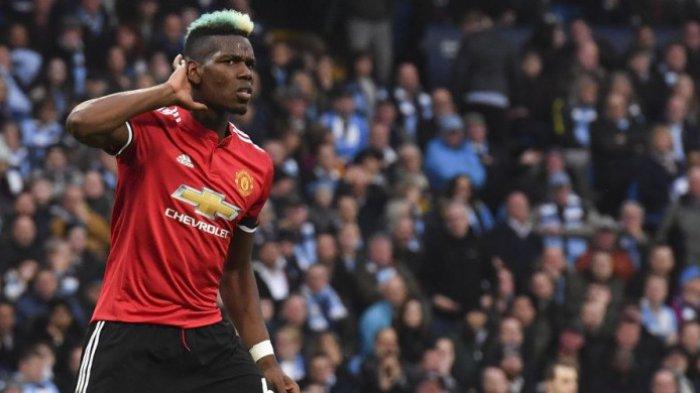 Gelandang Manchester United, Paul Pogba, merayakan gol ke gawang Manchester City di ajang Liga Inggris di Stadion Etihad, Manchester, Sabtu (7/4/2018).