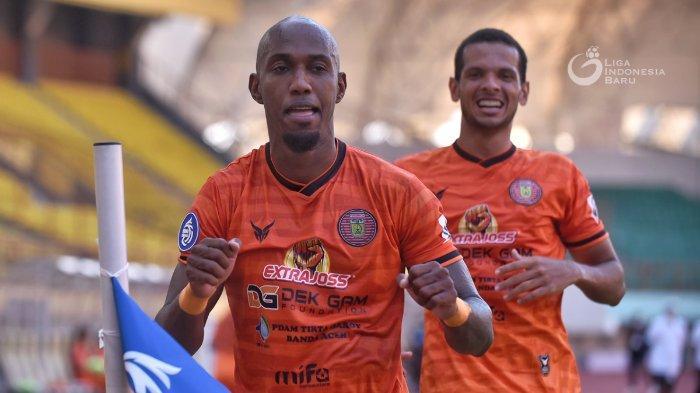 Top Skor Liga 1 2021: Striker Asing Mendominasi, Bomber Persiraja Bersaing dengan Ezehciel dan Spaso