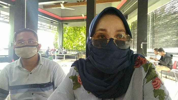 Pelapor kasus pornografi menceritakan kronologi pertemuan dan hubungannya dengan pejabat Pemprov Sumut, saat ditemui di salah satu kafe di Kota Medan, Rabu (9/9/2020).