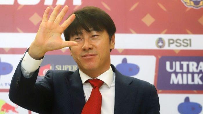 Saat Pelatih Timnas Indonesia Shin Tae-yong Urusi Pemilihan Sepatu Pemainnya: Ini Hal Kecil