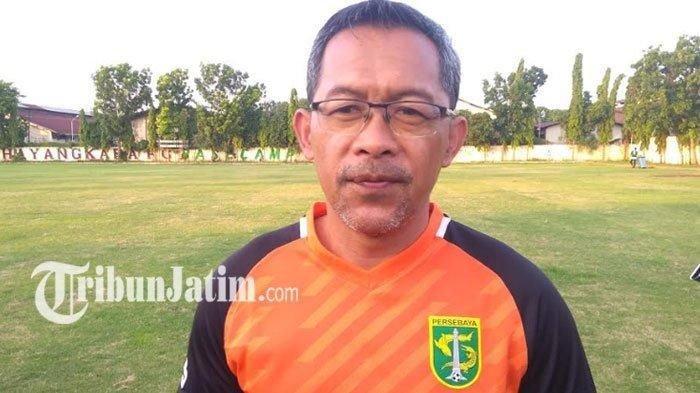 Pelatih Persebaya Surabaya Waspadai Lini Depan Persib Bandung, Minta Bek Tak Buat Kesalahan