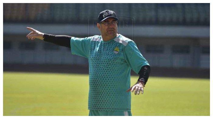 Selama Latihan Mandiri, Robert Tak Tahu Kondisi Fisik Skuad Persib Bandung: Tanggung Jawab Mereka