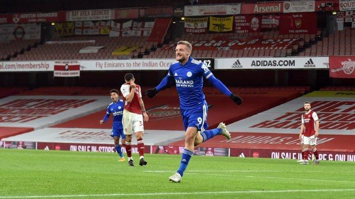 Pemain Leicester City, Jamie Vardy saat merayakan gol ke gawang Arsenal di Stadion Emirates dalam lanjutan pekan ke-6 Liga Inggris, Senin (26/10/2020) dini hari WIB.