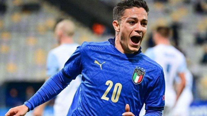 Pemain Sassuolo Giacomo Raspadori saat berseragam Timnas Italia untuk EURO 2020.