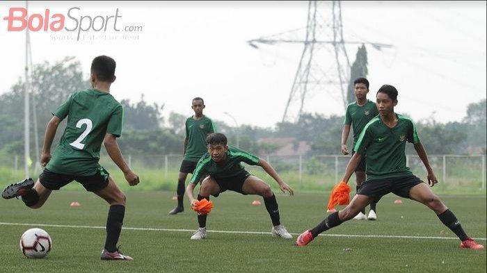 Didik Pemain Timnas U-16 Indonesia untuk Disiplin, Bima Sakti Beri Sanksi Denda hingga Jutaan Rupiah