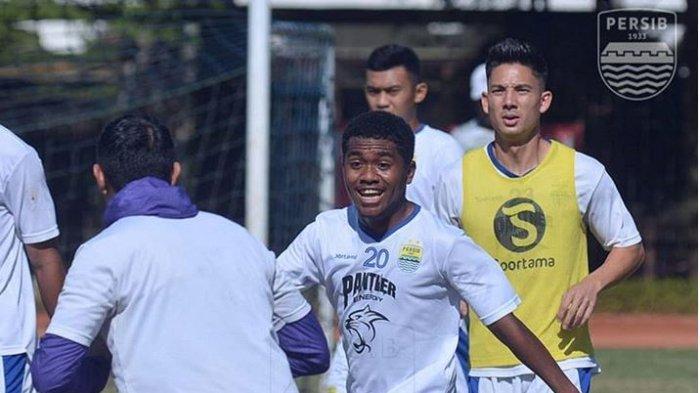 Persita Tangerang Resmi Dapatkan Jasa Eks Gelandang Lincah Persib Bandung untuk Musim 2021