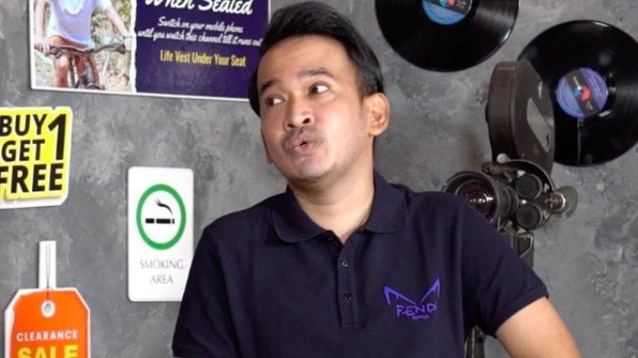 Pembawa acara Ruben Onsu berbincang dengan Eko Patrio di kanal YouTube Sikopat Channel.