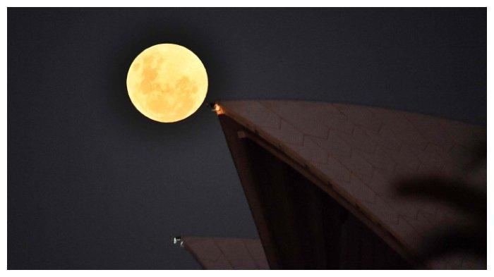 Simak Kumpulan Penampakan Gerhana Bulan Super Blood Moon di Berbagai Kota di Dunia Berikut Ini