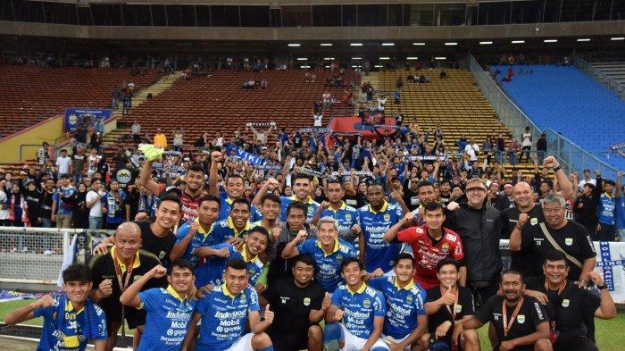 PERSIB berhasil memenangi laga kedua kontra Hanoi FC dengan skor 2-0 pada turnamen pramusim Asia Challenge 2020 di Stadion Shah Alam Malaysia, Ahad (19/1/2020). PERSIB diputuskan menang oleh wasit setelah pertandingan tidak bisa dilanjutkan saat memasuki babak kedua karena lapangan tergenang akibat hujan deras.