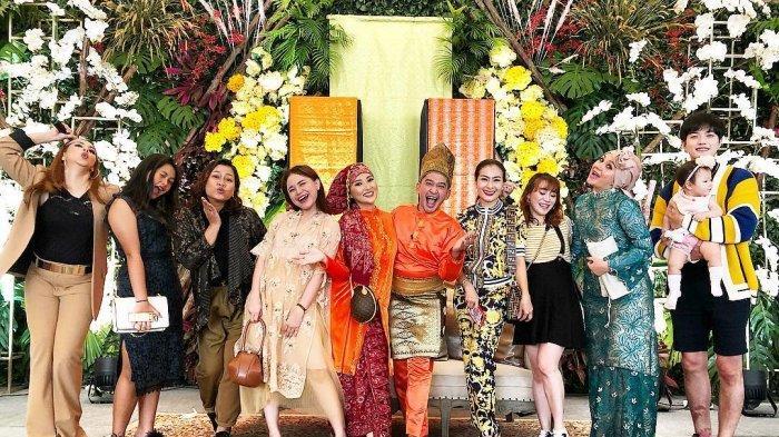 penyanyi-sarwendah-menggelar-pesta-baby-shower.jpg