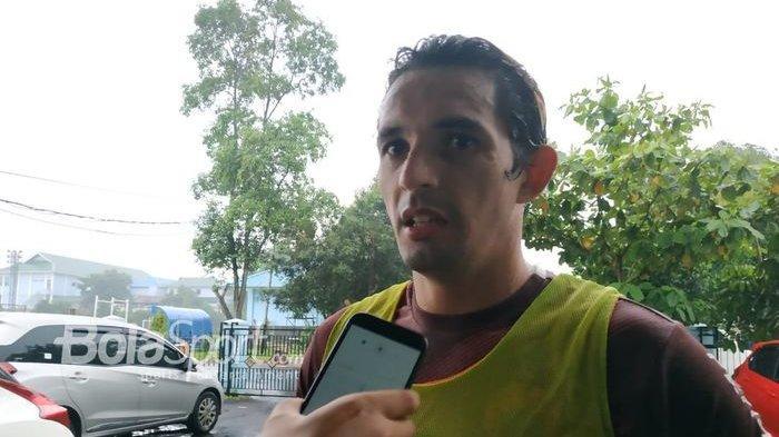Penyerang Persija Jakarta Silvio Escobar di mes pemain Persija, Jakarta Timur, Sabtu (23/2/2019)