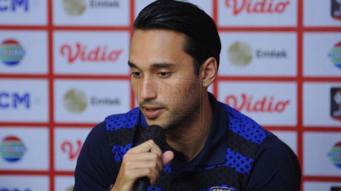 Sudah Kembali ke Persib Bandung, Ezra Walian Bagikan Momen Libur dan Tekadnya di Liga 1 2021