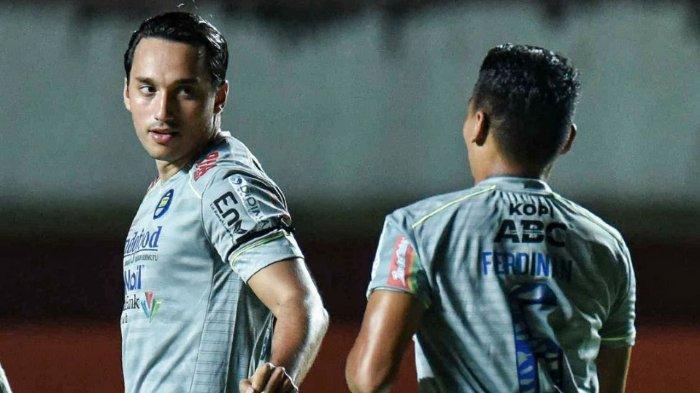 Hasil akhir, Persib Bandung menang telak atas Persita Tangerang dengan skor 3-1 di Piala Menpora 2021 yang berlangsung di Stadion Maguwoharjo, Sleman, Senin (29/3/2021).