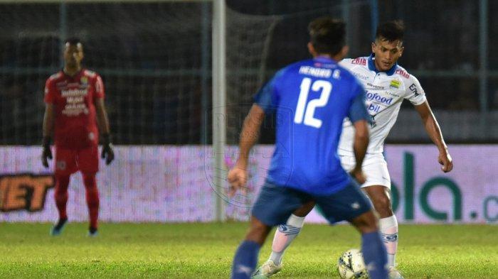 Kalah Telak dari Arema FC, Bobotoh Tuntut Persib Bandung Rombak Pemain di Putaran Kedua