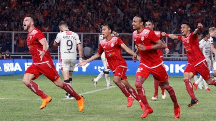 Ekspresi penyerang Persija Jakarta, Marko Simic, seusai mencetak gol dalam laga final Piala Presiden 2018 melawan Bali United di Stadion Utama Gelora Bung Karno, Jakarta, Sabtu (17/2/2018).